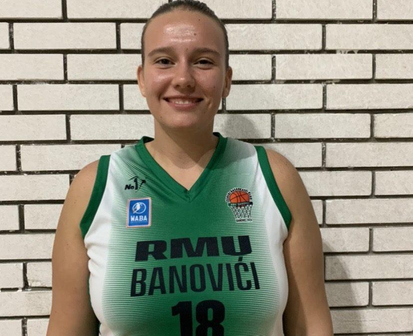 24 Jovana Marković
